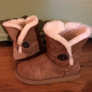 UGG Ladies Chestnut Baily Boots- Size 10